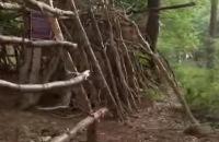 Jeugdjournaal - Tips van boswachter Floris voor het bouwen van een hut
