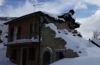 Lawine verwoest hotel Italië: Zoektocht gaat door filmpjes