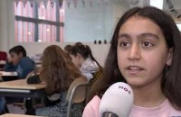 Jeugdjournaal - Klassen stoppen met vingers opsteken