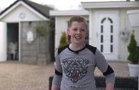 Jeugdjournaal - Romen (12) woont in een woonwagenkamp